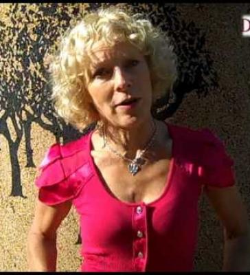Decanter: Jilly Goolden on Cork (EN)