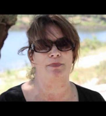 Why cork? | Vicky Sanderson (EN)